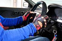 「プロドライブ」のステアリングに交換したら、握り心地と操舵感が激変した!!