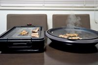 煙と油ハネが激減! 最強のホットプレート「XGRILL」で焼肉がはかどる