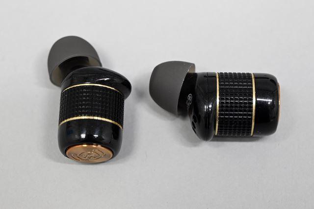 本体形状は「TE-BD21f」とまったく同じで、ボタンのデザインのみ異なる
