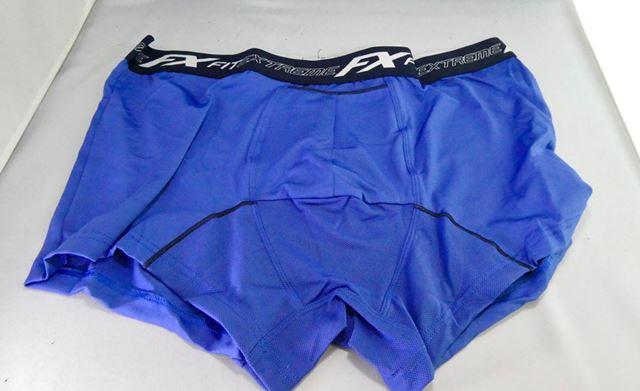 股間にはメッシュ素材。パンツ全体の生地は吸汗速乾性の高い生地になっています