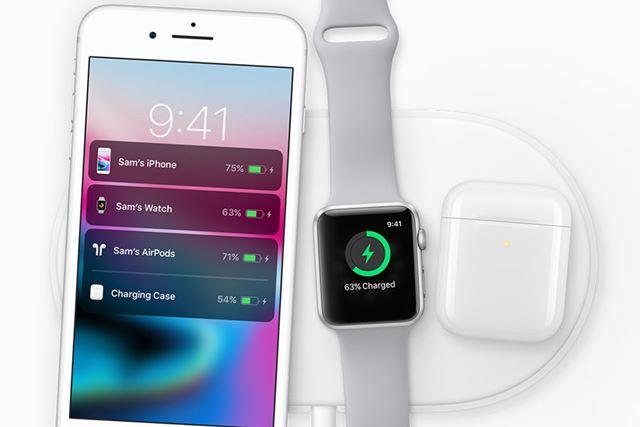 iPhone(iPhone XやiPhone 8)のQi対応にあわせて2017年9月に発表された「AirPower」