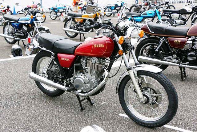 1978年に登場した最初のSRシリーズの1車種、排気量499ccの「SR500」