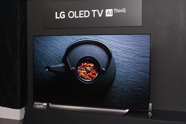 有機ELテレビは4シリーズ計9機種を投入。写真はメインストリームモデルの「OLED C9P」シリーズ