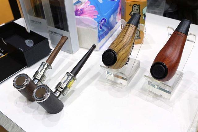 日本でも話題を呼んだ、パイプデザインのVAPEも発見。写真は「Kamry(カムリ)」の製品
