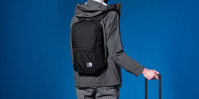 フロント部分は、取り外すと小型デイパックに。これさえあれば、バッグを余分に持っていく必要がなくなる