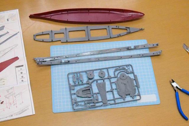 いよいよ「武蔵」の建造を開始。船体はパーツのサイズが大きいので、肩慣らしにはちょうどいい感じです