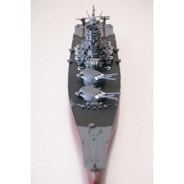 艦橋頂部の主砲射撃指揮所も動かせるので、主砲の射撃シーンを再現することも可能です