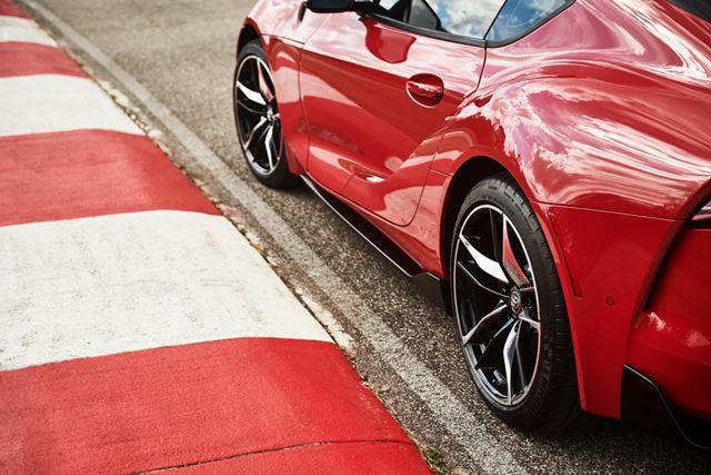 トヨタ 新型「スープラ」のホイールベースは、ライバル車と比べても短い