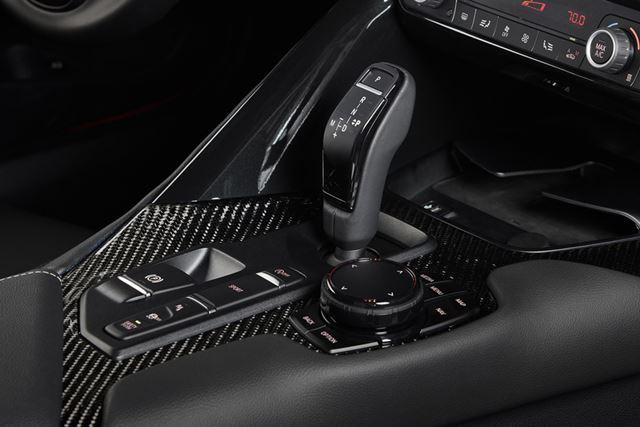 トヨタ 新型「スープラ」のATレバーの形状は、BMWそのものだ