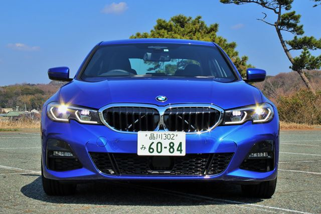 BMW 新型「3シリーズ」(330i M Sport)のフロントフェイスのアップ