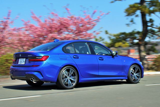 BMW 新型「3シリーズ」(330i M Sport)の走行イメージ