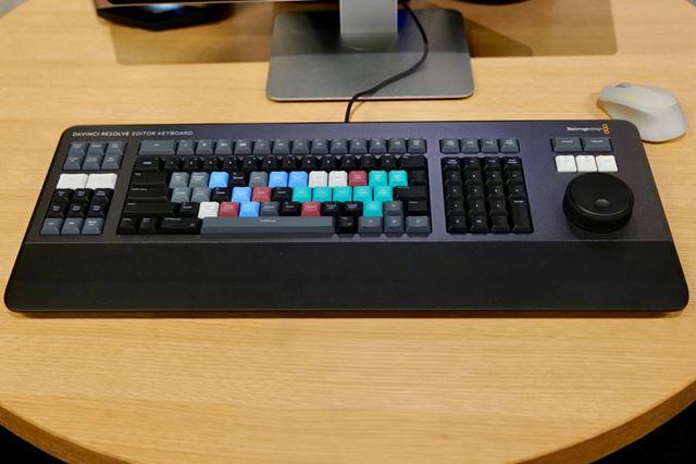 「Davinci Resolve Editor Keyboard」は113,800円(税別。メーカー直販価格)で2019年8月に発売予定