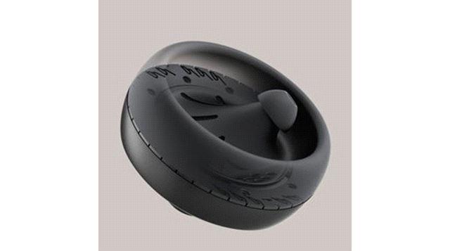 イヤホンの背面に低域用の振動ドライバーを配置することで、耳の裏側で振動を感じられるようにしたという