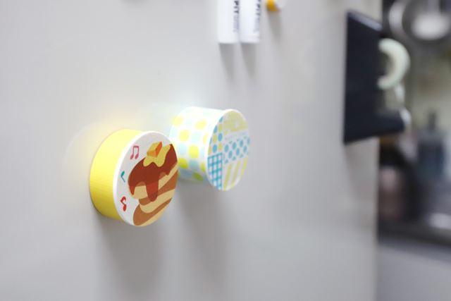 テープカッターほどのサイズはないので、キッチン周りが狭くても気軽に貼れるのがポイント