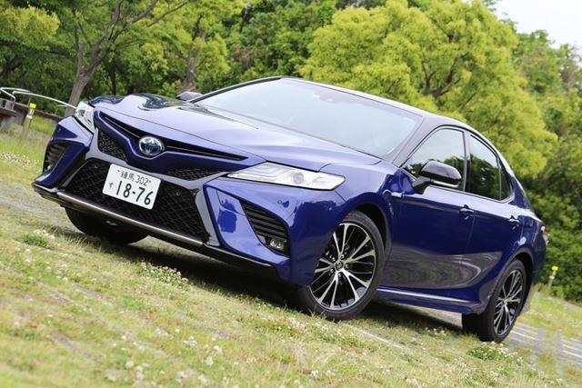 2018年8月に発売されたトヨタ「カムリWS」がノーマルグレードを凌ぐほどに売れている