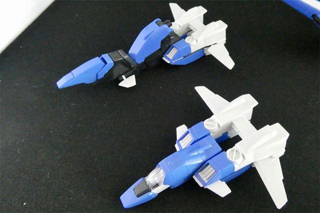 コア・ファイターはEx-Sガンダム用、Sガンダム用と2機作れます。写真下がSガンダム用