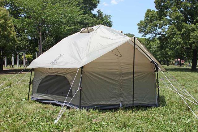 完成したテントは、六角形の独特な形状。サイズは328(幅)×328(奥行)×168(高さ)cmです