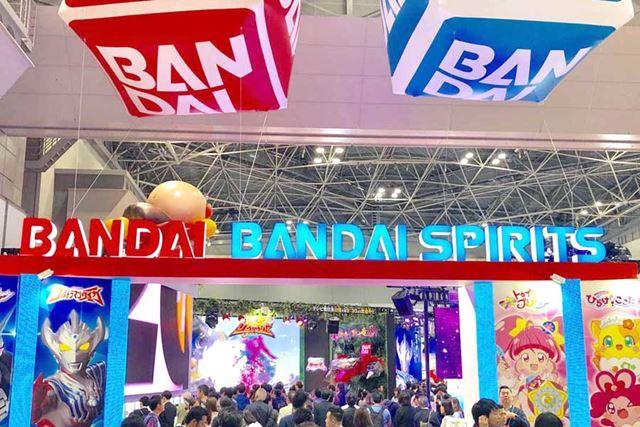 「東京おもちゃショー2019」は東京ビッグサイトで開催。写真はバンダイのブース入り口