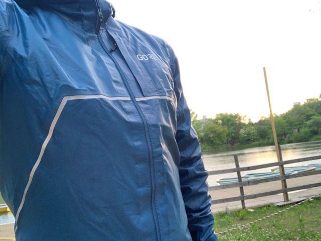 雨の中でも日課ランをあきらめたくない人にもってこいのジャケットを紹介