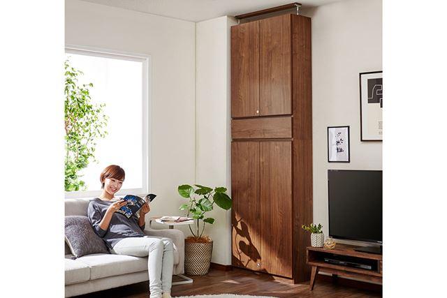 「大量収納! まるで造り付け家具のような同人誌ラック」