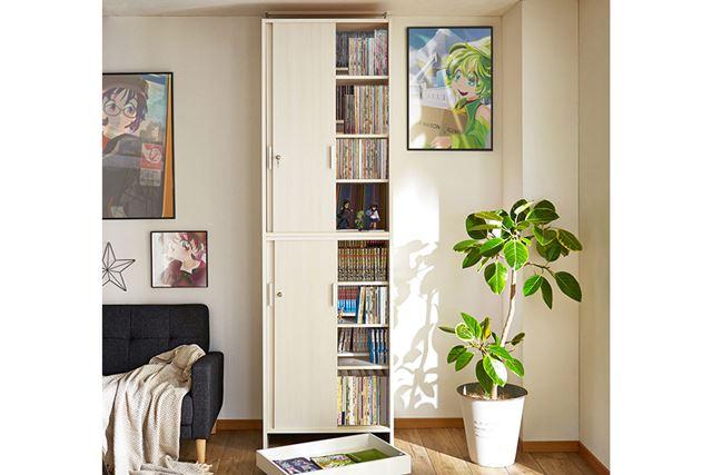 「大量収納!棚板を細かく調整できる突っ張り式引戸ダブル棚板ラック」