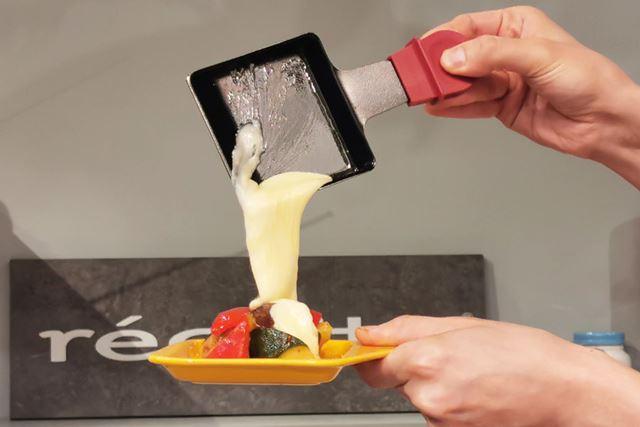 ミニパンでチーズを溶かしてラクレットを楽しむのはもちろん