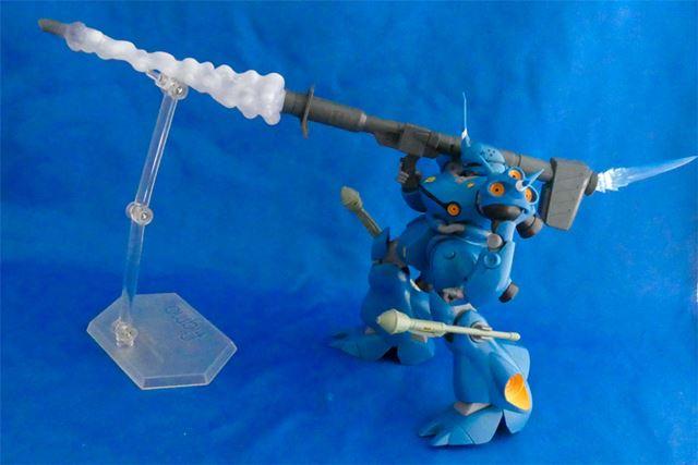 バズーカ発射エフェクト付き。ただし重いので支えるスタンドが必要になります