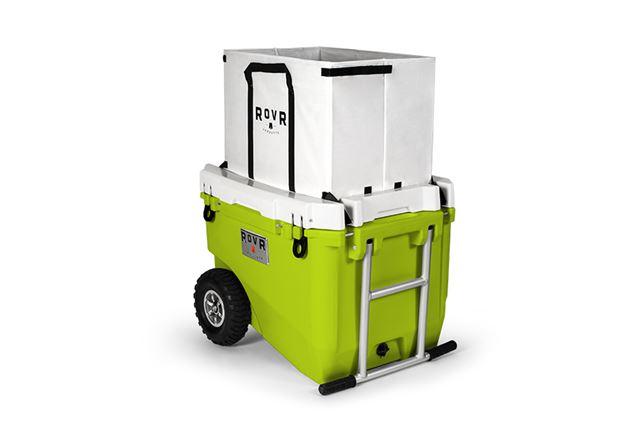 フタに付属するボックスは、キャンプ用品を持ち運ぶ際に便利で、取り外しも可能