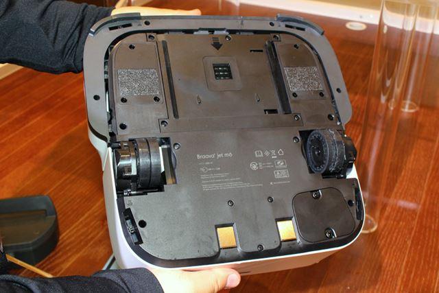 天面に備えるカメラのほか、全体にさまざまなセンサーを搭載し、室内をマッピングして走行します