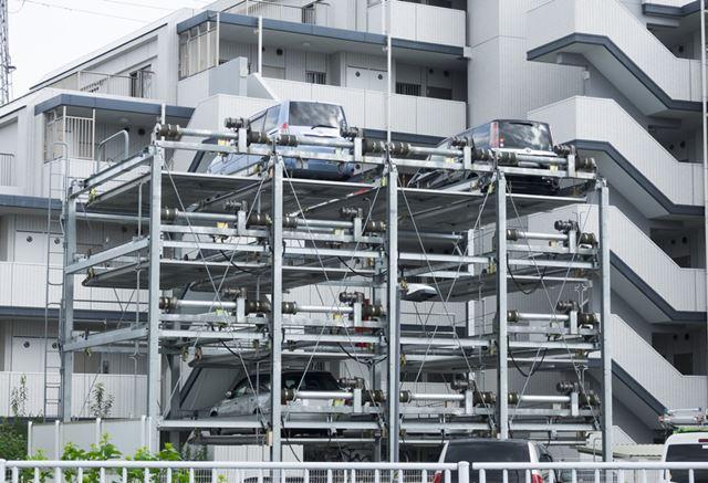スペースを有効に活用できる機械式駐車場ですが、直置きに比べて維持費が高くなるので注意