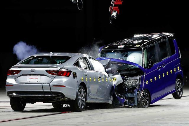 """劇的に進化している軽自動車の""""安全性能""""人気の5車種を比較"""