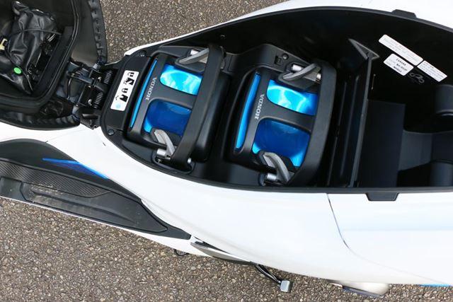 1個あたり電圧48Vのリチウムイオン電池を採用。満充電の状態で、最大41km走行できるとのこと