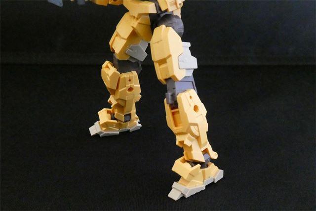 脚部にもハードポイントがあります
