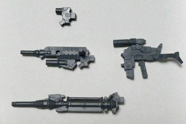 銃身を変えると3タイプの武器になる銃パーツと