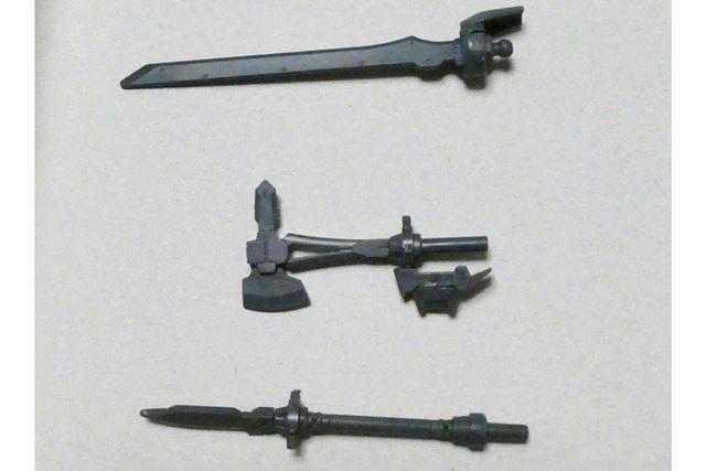 剣タイプの武器パーツ3種類が入っています。これまた組み立ては5分