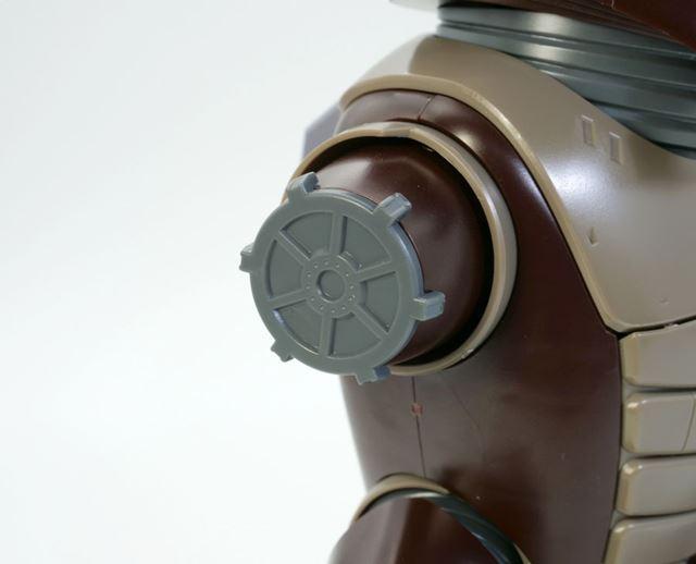 さらに<strong>「機動戦士ガンダム第08MS小隊」に登場した「片腕のないアッガイ」を再現するパーツも付属します</strong>