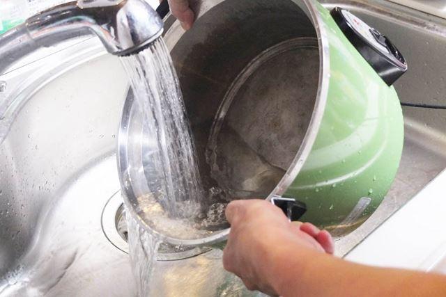10合タイプは外径が約29cmあり、外側にあまり水が回らないように洗う必要があるので、けっこう気を使います