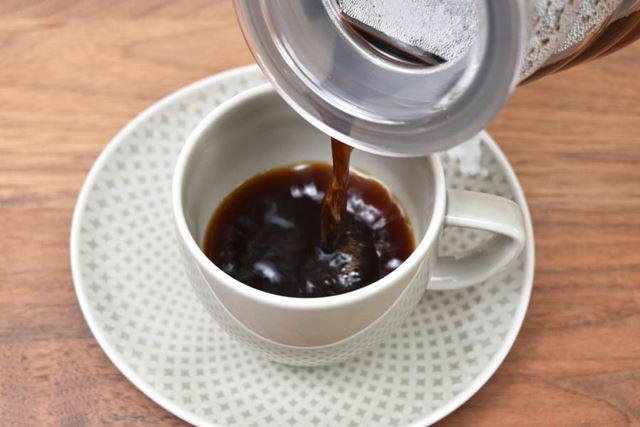 今回は、やわらかく芳醇な味わいが特徴の「小川珈琲 プレミアムブレンド」(中挽き)を使用してみた