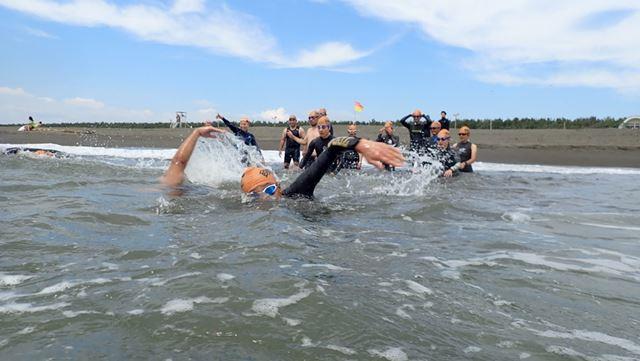 試泳しておくと身体も温まるほか、緊張感がほぐれて精神的にも落ち着く効果が期待できる