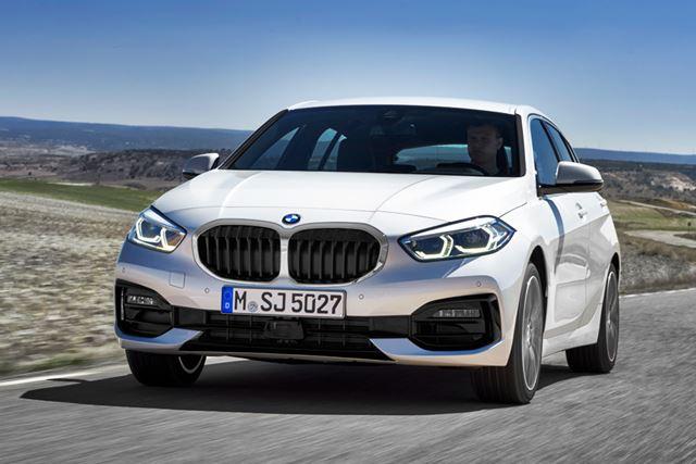 BMW 新型「1シリーズ」では、これまでのFR(後輪駆動)に代わり、FF(前輪駆動)が採用されている