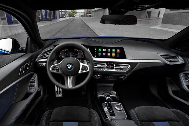 BMW 新型「1シリーズ」のインテリア(画像は海外仕様のため左ハンドルだが、日本仕様は右ハンドル)