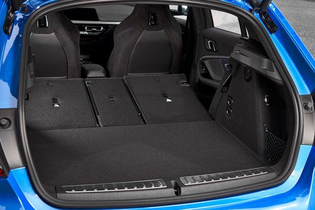 BMW 新型「1シリーズ」のラゲッジルームは先代より広くなり、使いやすくなった
