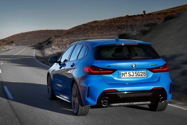 BMW 新型「1シリーズ」(M135i xDrive)の走行イメージ