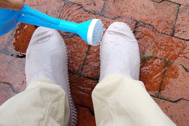 水に濡れてもへっちゃら。だが油断をするとズボンの裾が汚れる