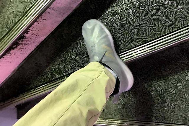 階段の角などは滑りやすいが、それはどんな靴でも同じか