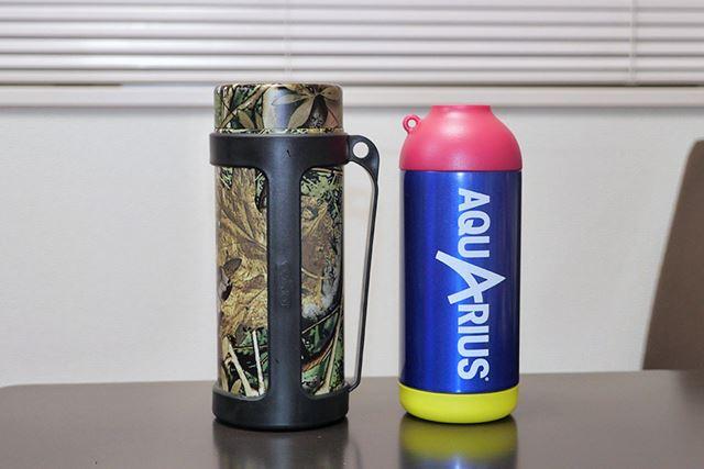 ペットボトルを入れて保冷できるボトルクーラー、ありました! 価格.comで見つけた2種類を入手