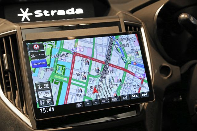 新型「ストラーダ」Fシリーズでは、上位2モデルに10V型が採用されている