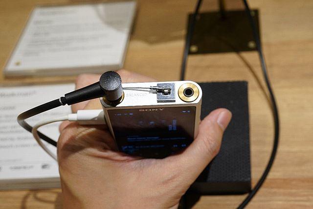 おなじみの4.4mmバランス端子を搭載