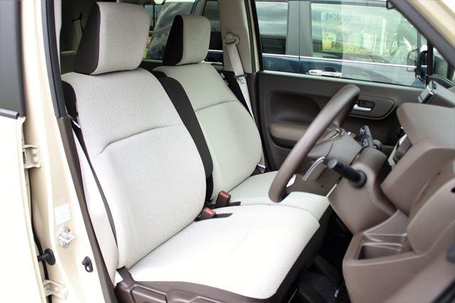 ホンダ 新型N-WGNのフロントシート