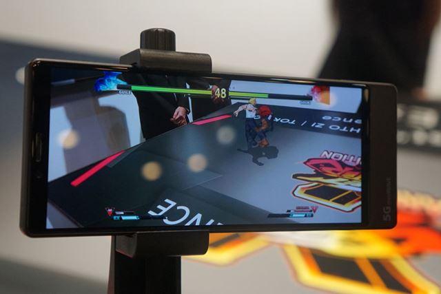 カプコンの格闘ゲーム「ストリートファイター」をARコンテンツ化したもの。角度を変えてバトルを視聴できる